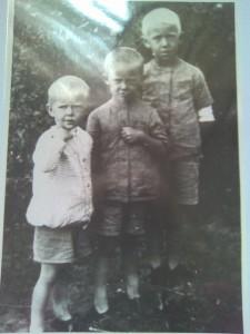 tri-brata-moll