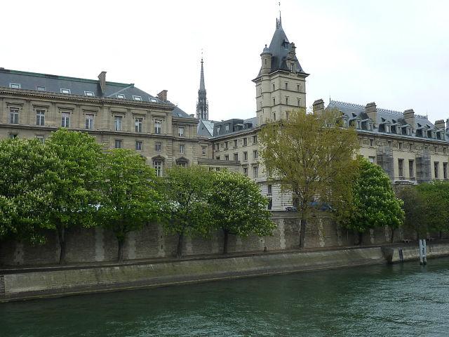 «Увидеть Париж и... не умереть»