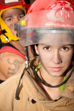 «В обьятиях женщины-пожарницы»