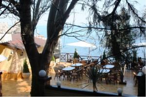 veranda-restorava-v-gurzufe