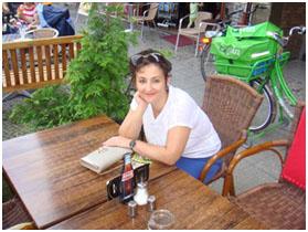 Alla-Roytich-v-berlinskom-kafe