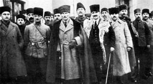 Kemal-sredi-oficerov