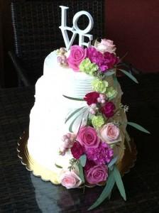 tort-svadebniy