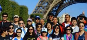 kitayskie-turisti-v-parije-k
