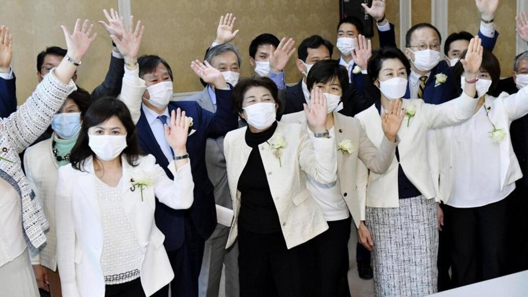 Япония: патриархат дал трещину