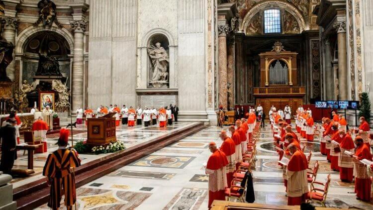 У Ватикана появился женский голос