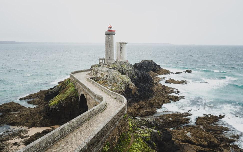 «Бретань - красивое место и, к тому же, недалеко от Франции»